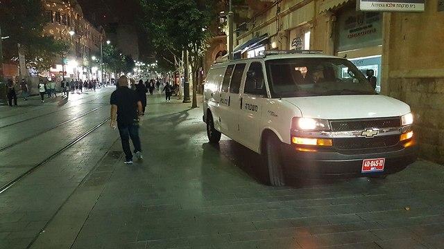 פריסת כוחות משטרה בירושלים ערב ראש השנה (צילום: אלי מנדלבאום)