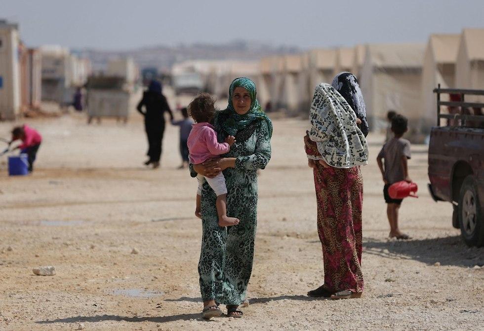 הפצצות נרחבת של רוסיה וסוריה על מעוז המורדים האחרון בשטח סוריה  מחוז אידליב (צילום: AFP)