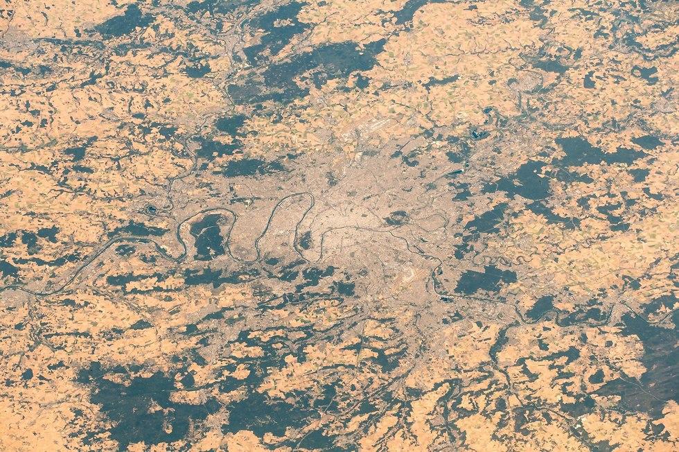 אזור פריז מתחנת החלל (צילום: אלכסנדר גרסט, סוכנות החלל האירופית)