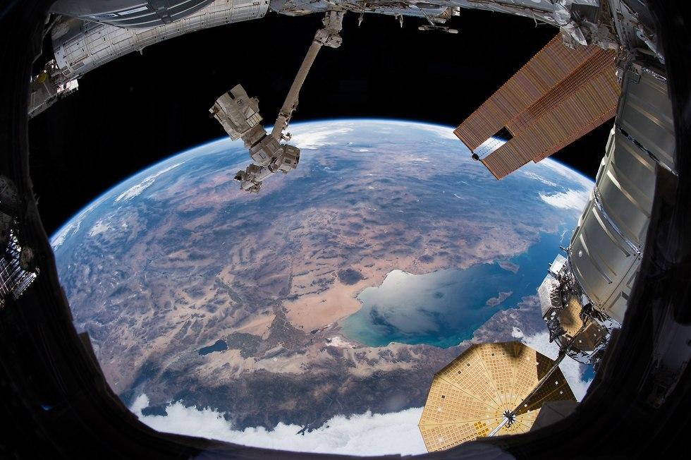 קליפורניה מתחנת החלל (צילום: אלכסנדר גרסט, סוכנות החלל האירופית)
