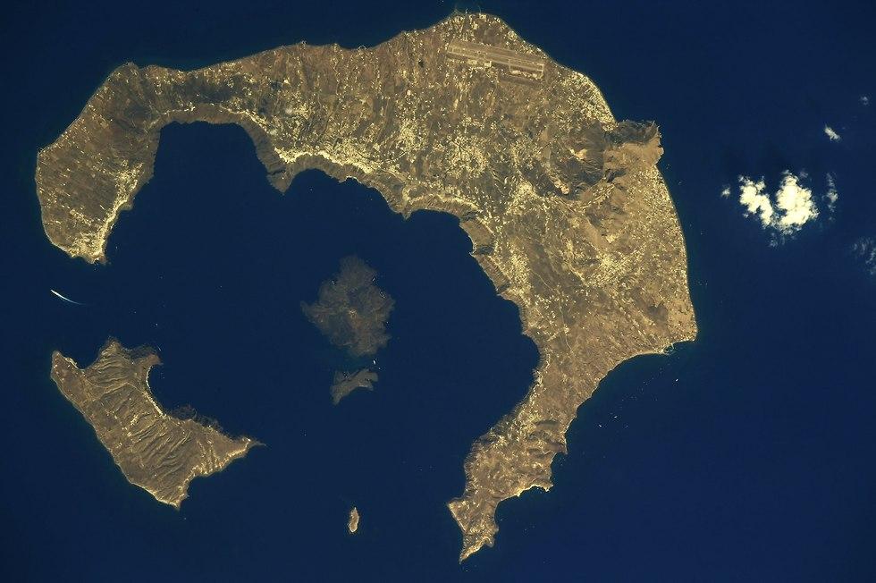 האי סנטוריני (צילום: ריצ'רד ארנולד, נאס