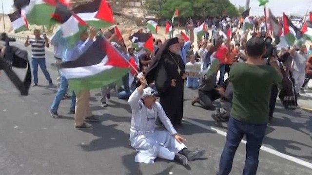 Palestinians protest over Khan al-Ahmar planned demolition   (Photo: Reuters)