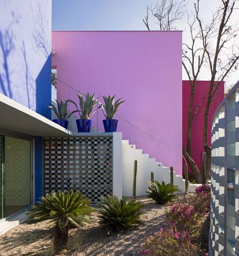 הבית הזה תוכנן כמחווה לאדריכלי מקסיקו הגדולים. לחצו לכתבה (צילום: Documentacion Arquitectonica - Adrian Llaguno)