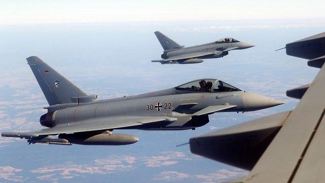 מטוס קרב (צילום: רויטרס)