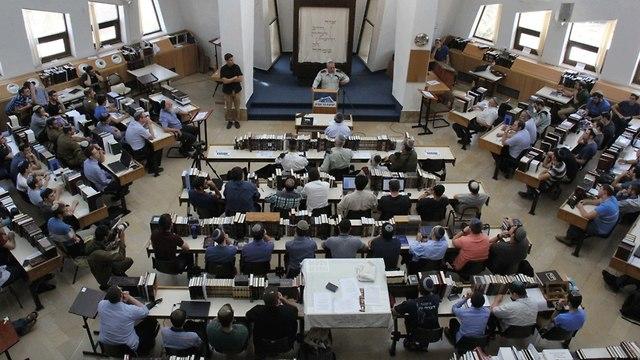 גבי איזנקוט ב ישיבת הסדר הר עציון (צילום: עידו כהן)