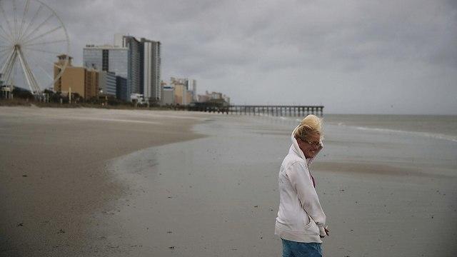 הוריקן פלורנס מתקרב ל חופים חוף חופי ארה