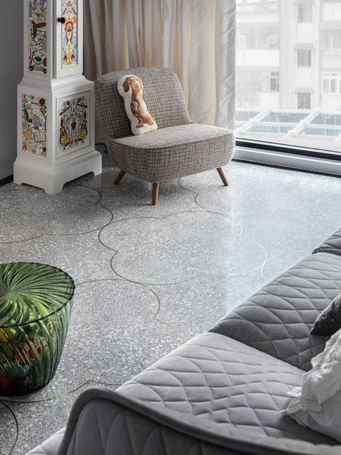 יציקת טראצו עם חציצות נחושת על הרצפה (צילום: Kyleyu Photo Studio)