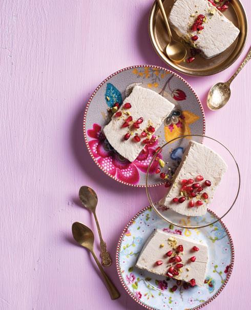 ללא גלוטן: גלידת רימונים (צילום: בועז לביא, סגנון: נעה קנריק)