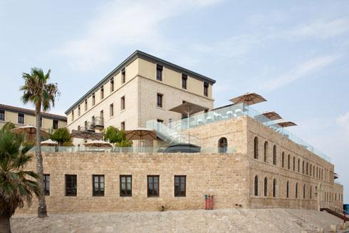 מלון סטאי החדש בכיכר השעון, שהייתה פעם צומת הדרכים הראשי מחוץ לעיר העתיקה (צילום: דור נבו)