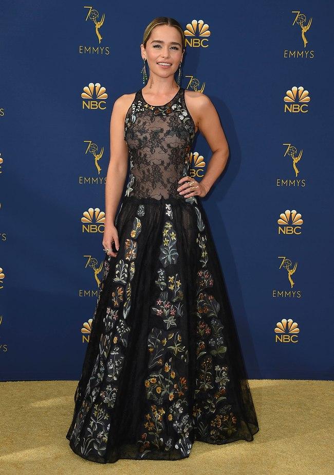 אמיליה קלארק לובשת דיור (AP)