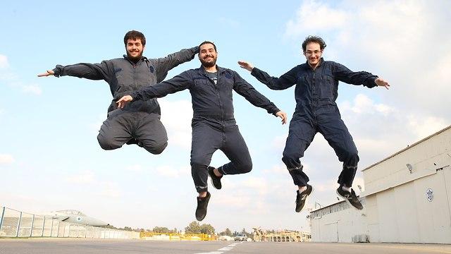 הגיימרים בבסיס חיל האוויר (צילום: אלעד גרשגורן)