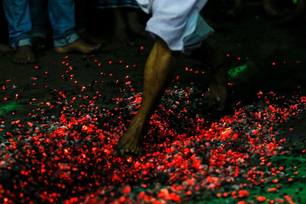 יום ה עשוראא מוסלמים שיעים ינגון מיאנמר (צילום: EPA)