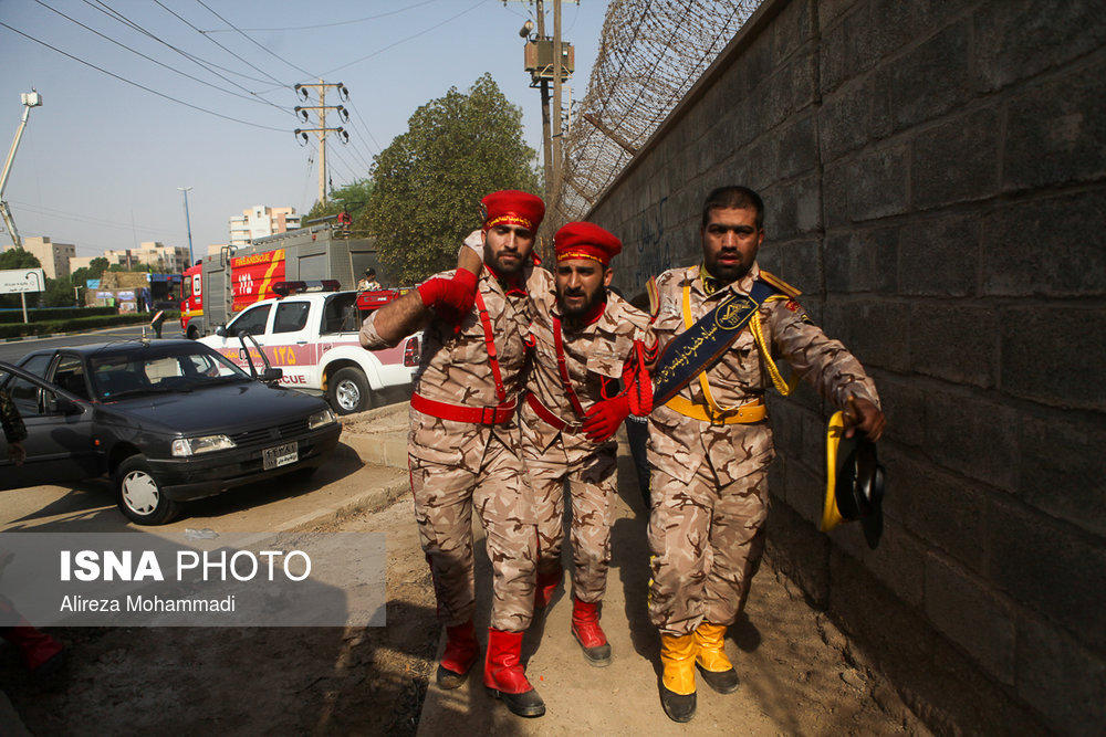 Revolutionary Guards (Photo: Reuters)