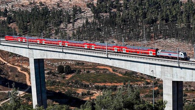 רכבת קן תל אביב ירושלים (צילום: AFP)