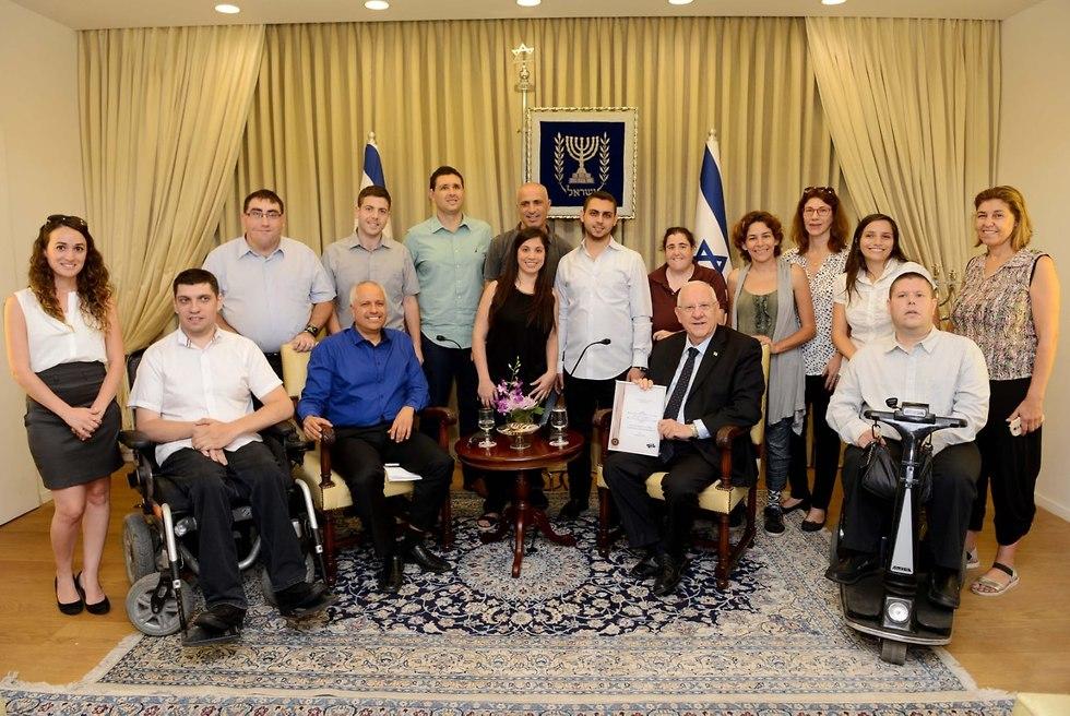 חברי סיכוי שווה במפגש עם נשיא המדינה (צילום: מארק ניימן, לשכת העיתונות הממשלתית)