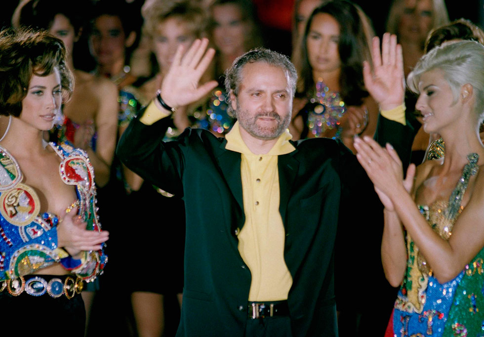 מייסד בית האופנה ג'יאני ורסאצ'ה, שנרצח על מדרגות ביתו. 1991 (צילום: AP)