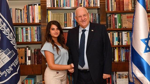 חנאן דבאח בת השירות הערבייה בבית הנשיא (צילום: קובי גדעון, לע