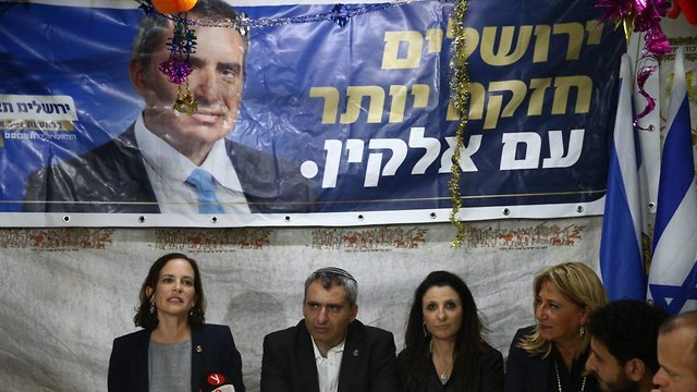 MK Rachel Azaria and Elkin (left to right) at a press conference (Photo: Ohad Zwigenberg)