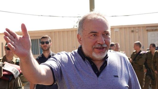Defense Minister Lieberman (Photo: Efi Shrir)