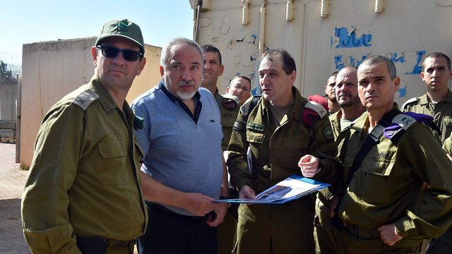 Defense Minister Lieberman (Photo: Defense Ministry)