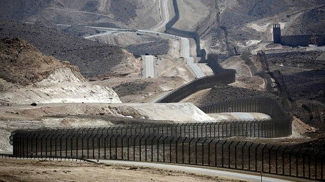 גדר גבול מצרים בנגב (צילום: רויטרס)