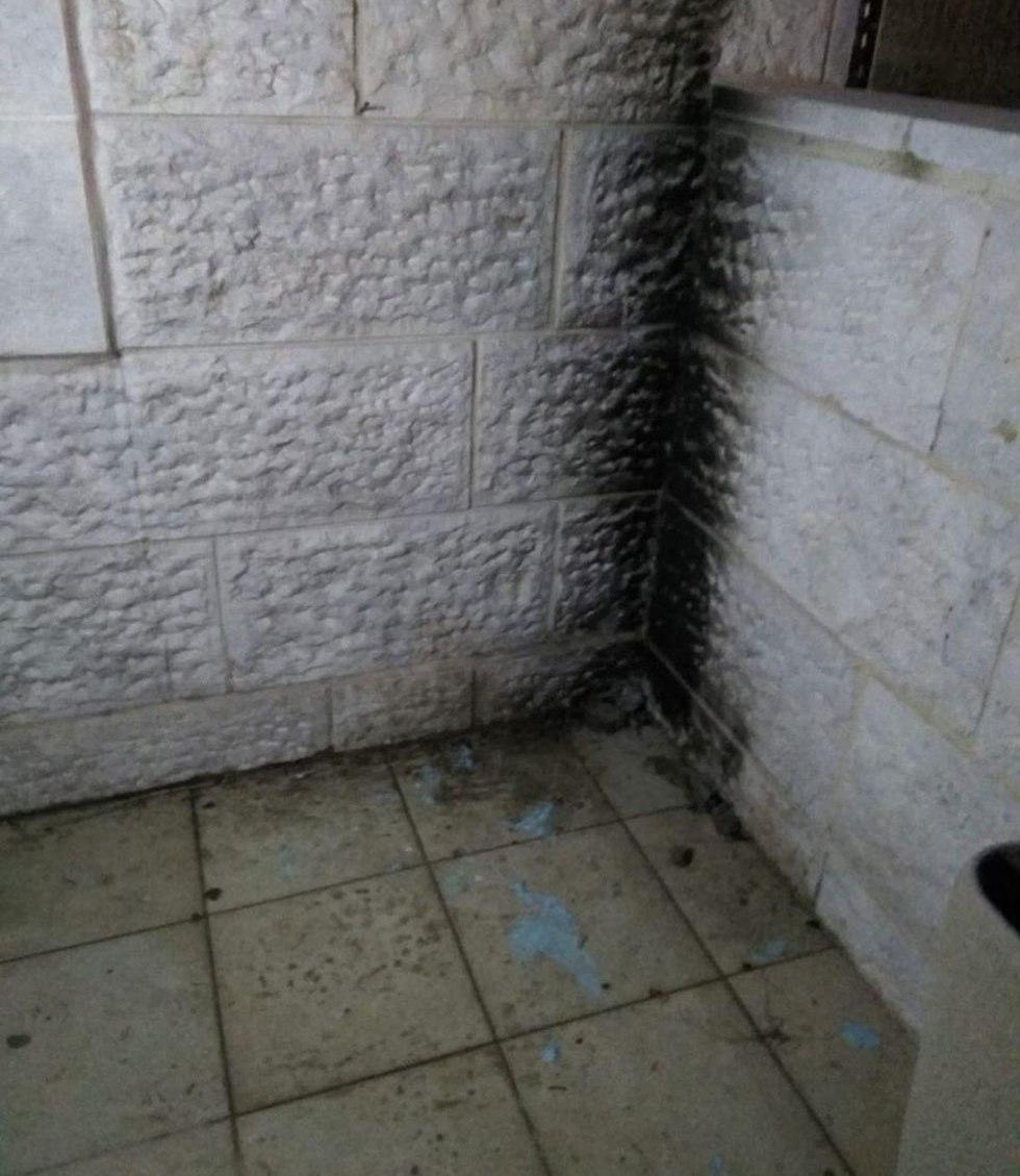 Balcony burned by Molotov cocktail (Photo: TPS)