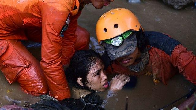 ההרס לאחר רעידת האדמה באינדונזיה (צילום: AP)