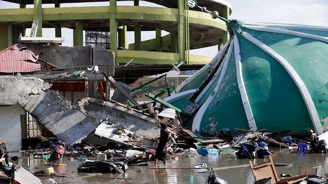 ההרס באינדונזיה בעקבות רעידת האדמה והצונאמי (צילום: EPA)