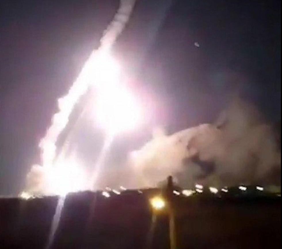 Iran launches missiles at Syria