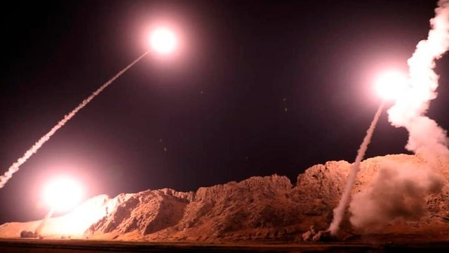 Iranian missiles fired at ISIS targets in Syria (Photo: AP)