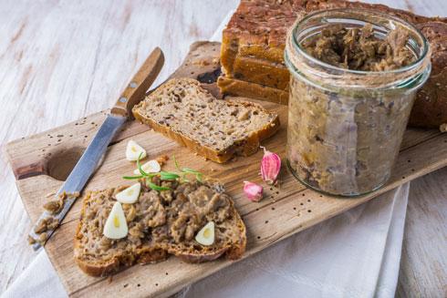 ממרח עדשים חומות (צילום: Shutterstock)