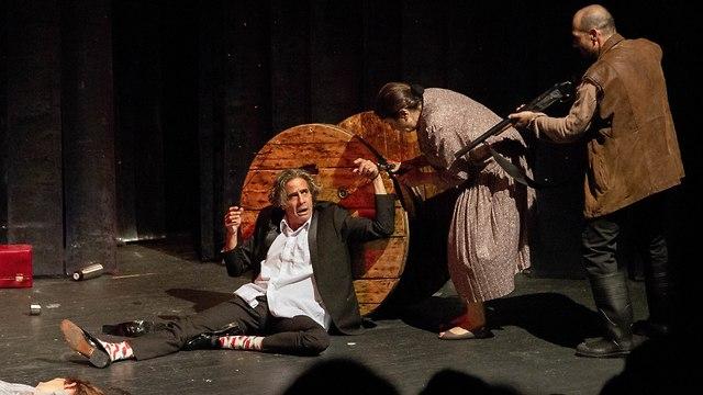 מתוך המחזה (צילום: אילן חזן)