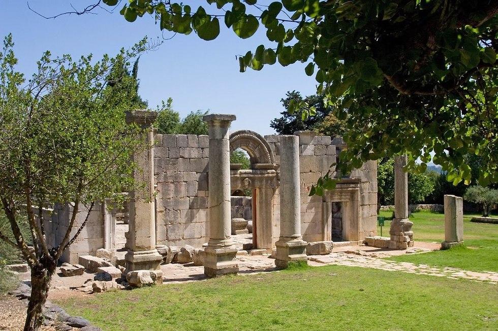 בבית הכנסת בברעם (צילום: דורון ניסים)