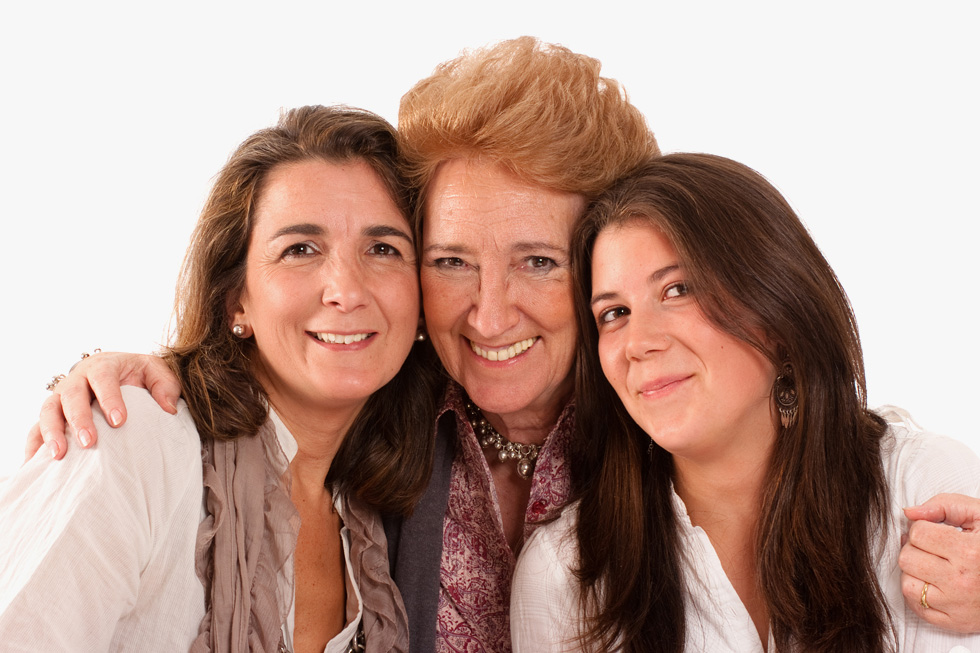 יש טיפולים אסתטיים שאסורים בגיל ממבוגר או  צעיר מדי (צילום: Shutterstock)