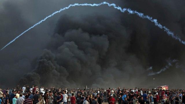 Gaza border confrontations   (Photo: AP)