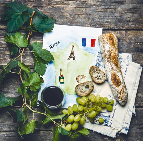 נוגדי חמצון המצויים בגרעיני הענבים מסייעים גם בעיכוב תהליכי הזדקנות העור של הצרפתים (צילום: בן יוסטר)