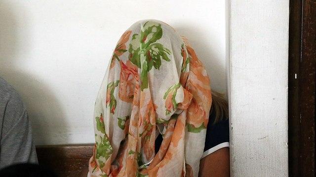 גננת אשר חשודה בתקיפה בפעוטות בגבעתיים (צילום: מוטי קמחי)