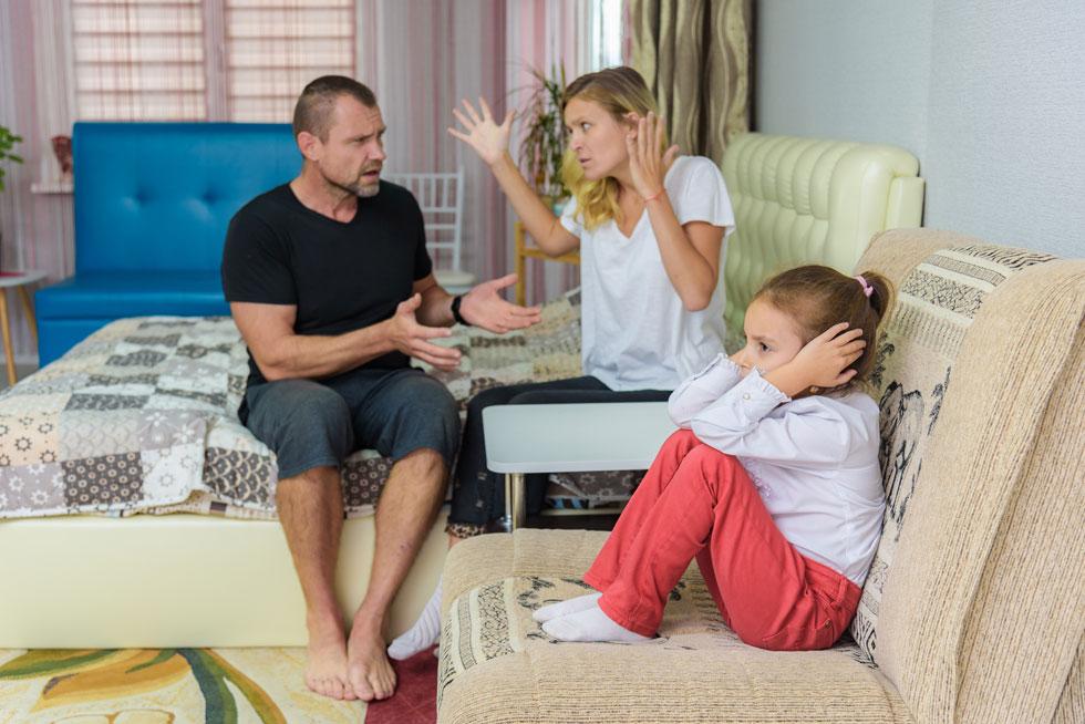 ברור שיש לכם מה לומר על דרך החינוך של בן הזוג שלכם, אבל ויכוחים על סגנון החינוך הם נחל איתן של מתח (צילום: Shutterstock)
