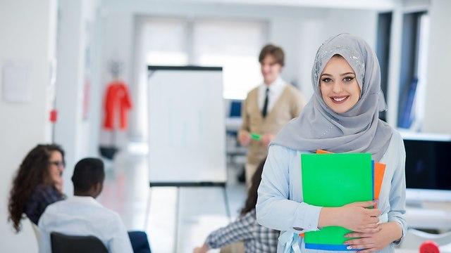 סטודנטית ערביה  (צילום: shutterstock)