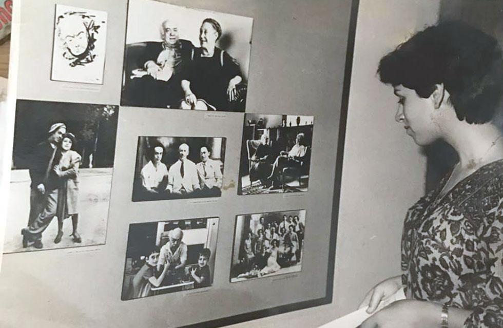 """אשל בתערוכה לזכר סבה שהוצגה בבית אריאלה בתל אביב במלאת עשור למותו. למטה: """"בוקר טוב"""", גרסת 2018 (צילום: באדיבות סיגל אשל)"""