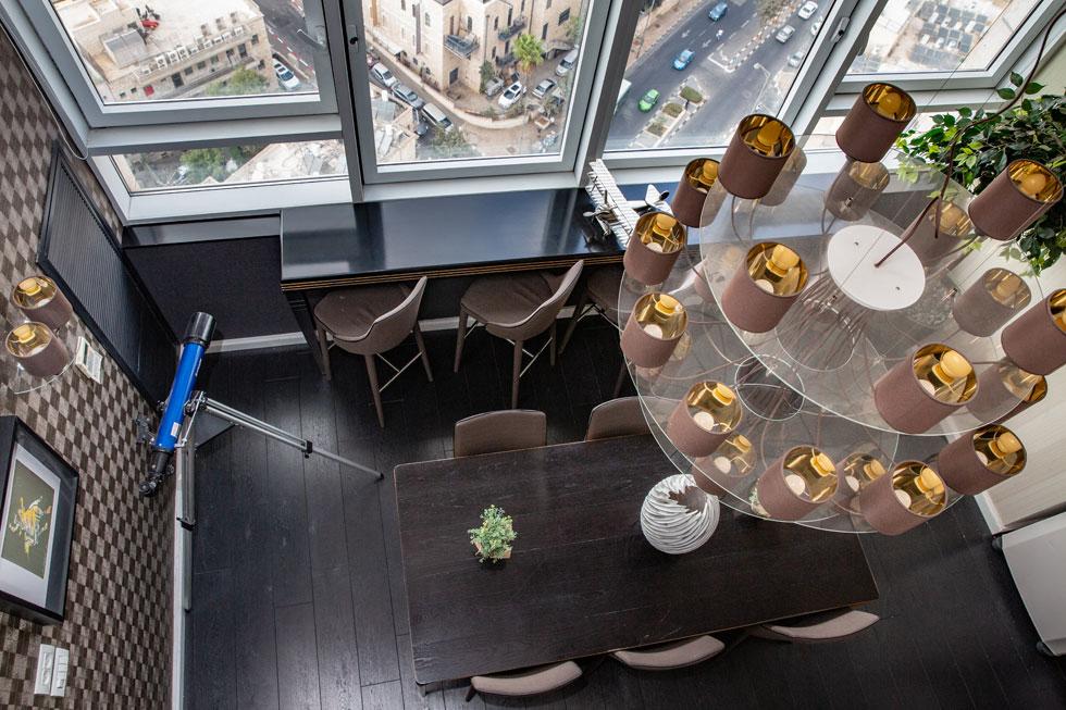 בקומה ה-21 פועל מלון סוויטות אירוח, בעיקר לתקופות ארוכות. עם הנוף מלמעלה קשה להתווכח (צילום: אלכס קולומויסקי)