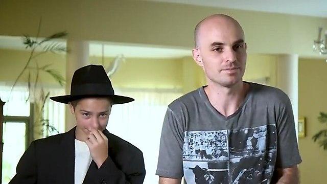 Герои ролика - Алекс и его сын Стас