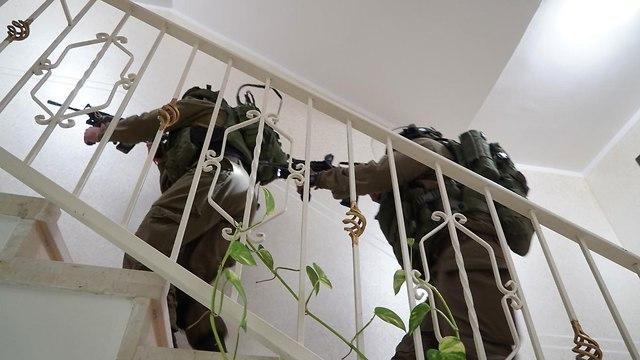 מצוד אחר אשרף נעאלווה (צילום: דובר צה