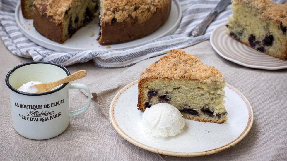 מאוכמניות עם פירורים עד קוקוס עם פרג ותפוזים: 4 עוגות בחושות