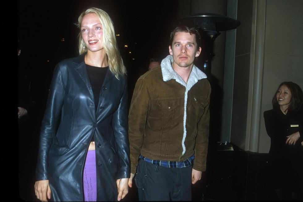 """איתן הוק ואומה תורמן, 2000. למטה: מאיה הוק מדברת על הסדרה """"דברים מוזרים"""" (צילום: Brenda Chase/GettyimagesIL)"""