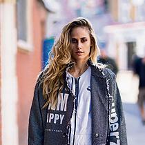 """מונד בצילומים לקמפיין האופנה של המותג """"סבן סבנטי""""   צילום: אורי טאוב"""