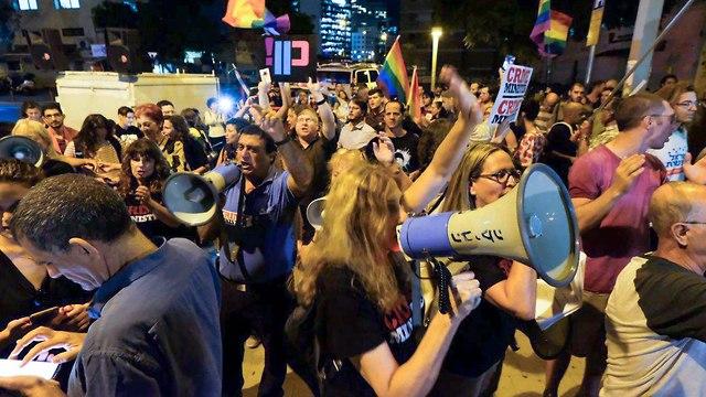Protest against Netanyahu in Tel Aviv   (Photo: Shaul Golan)
