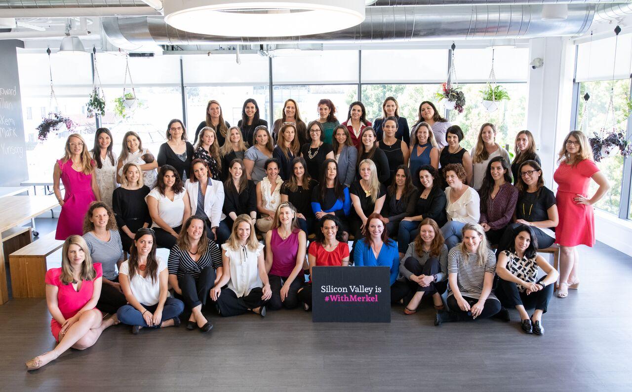 נשים עם מרקל עמק סיליקון (צילום:  Nick Klein)