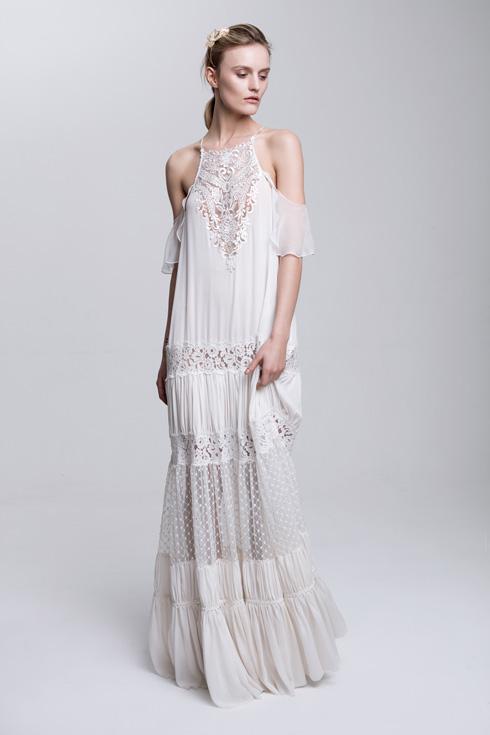"""""""מדדנו שלוש שמלות, ובחרנו את השמלה הזו"""". שמלת הכלה בעיצוב גדי אלימלך (צילום: אסף עיני)"""