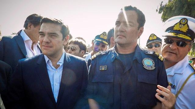 יוון מת קיראקוס פפדופולוס מפקד ב משמר החופים שהציל אלפי פליטים (צילום: רויטרס)